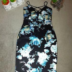 Charlotte Russe Chromatic Flower Dress 🌿